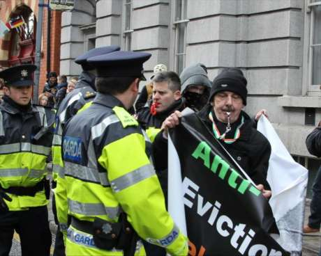 garda_harass_anti_eviction_taskforce_wsm_photo2_feb09_2013.jpg