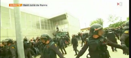 "the paramilitary Guardia Civil ""a por ellos"" attack civil rights groups and the Catalan president's franchise"
